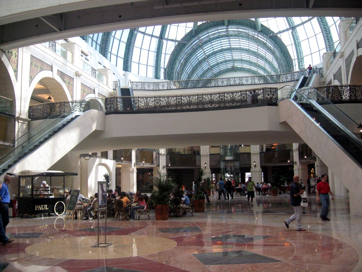 join-asian-dating-shopping-mall-stories